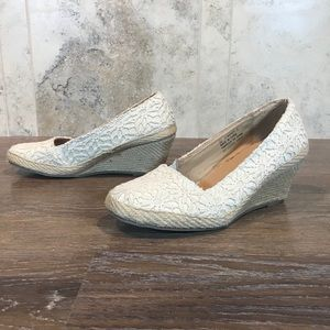 5/$20 Cute George Espadrille Wedges Size 6